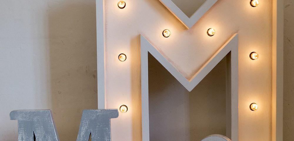 M luces